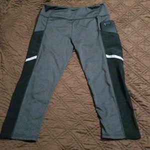 Pants - Workout capri leggings w pockets reflective strip